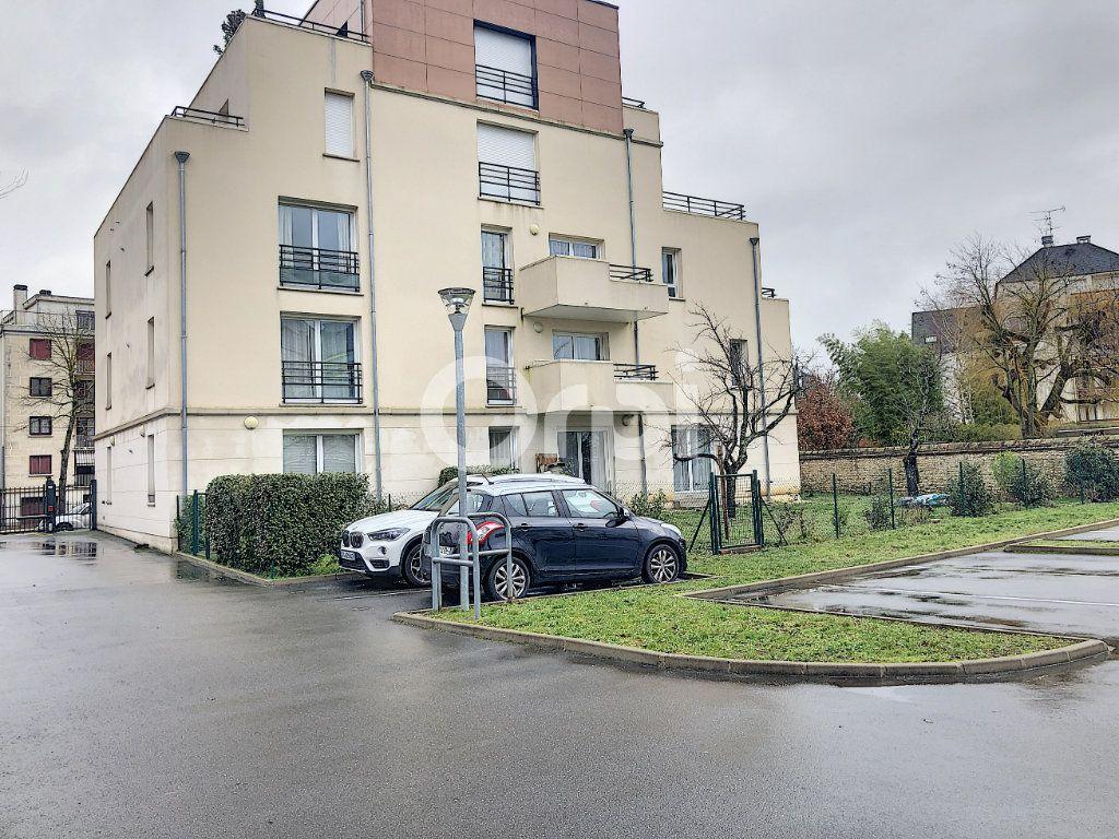 Appartement à louer 1 28.65m2 à Orléans vignette-2
