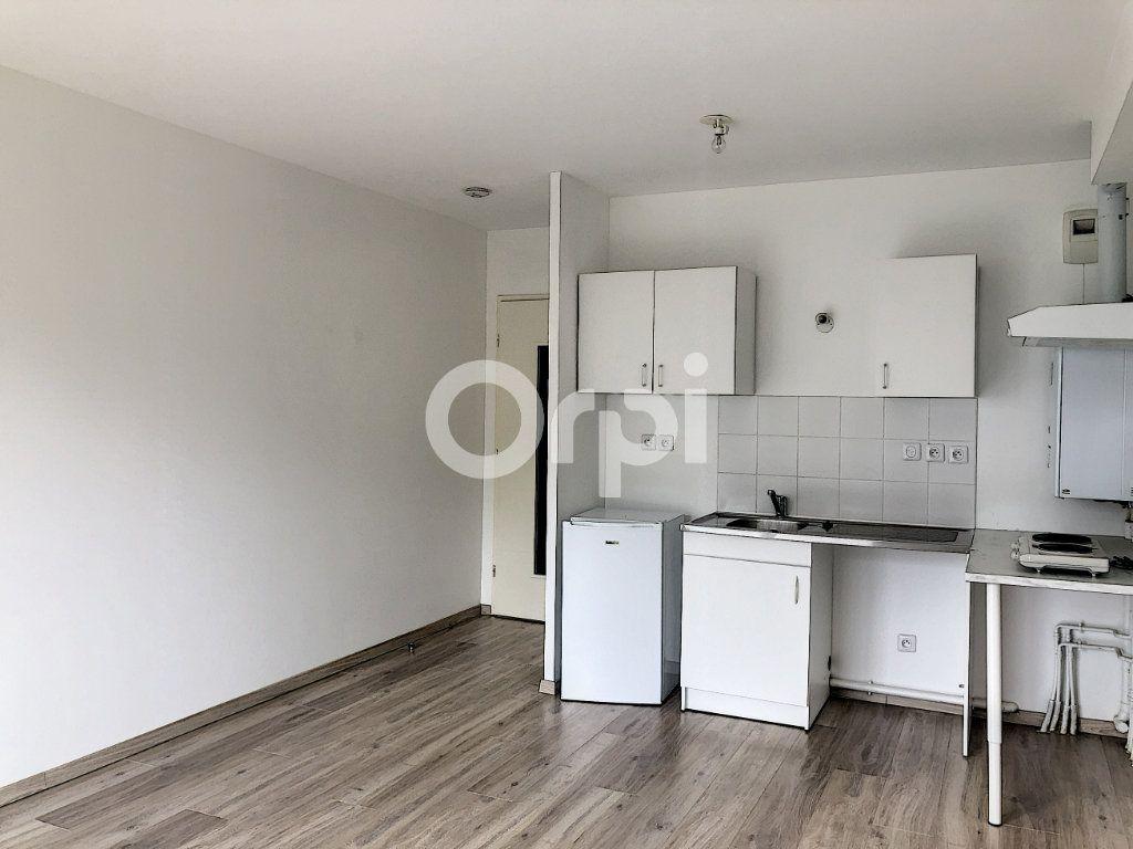 Appartement à louer 1 28.65m2 à Orléans vignette-3
