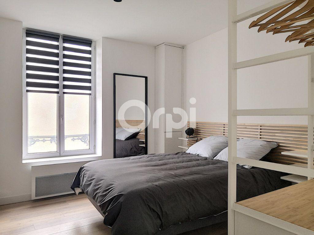 Appartement à louer 1 16.33m2 à Orléans vignette-1