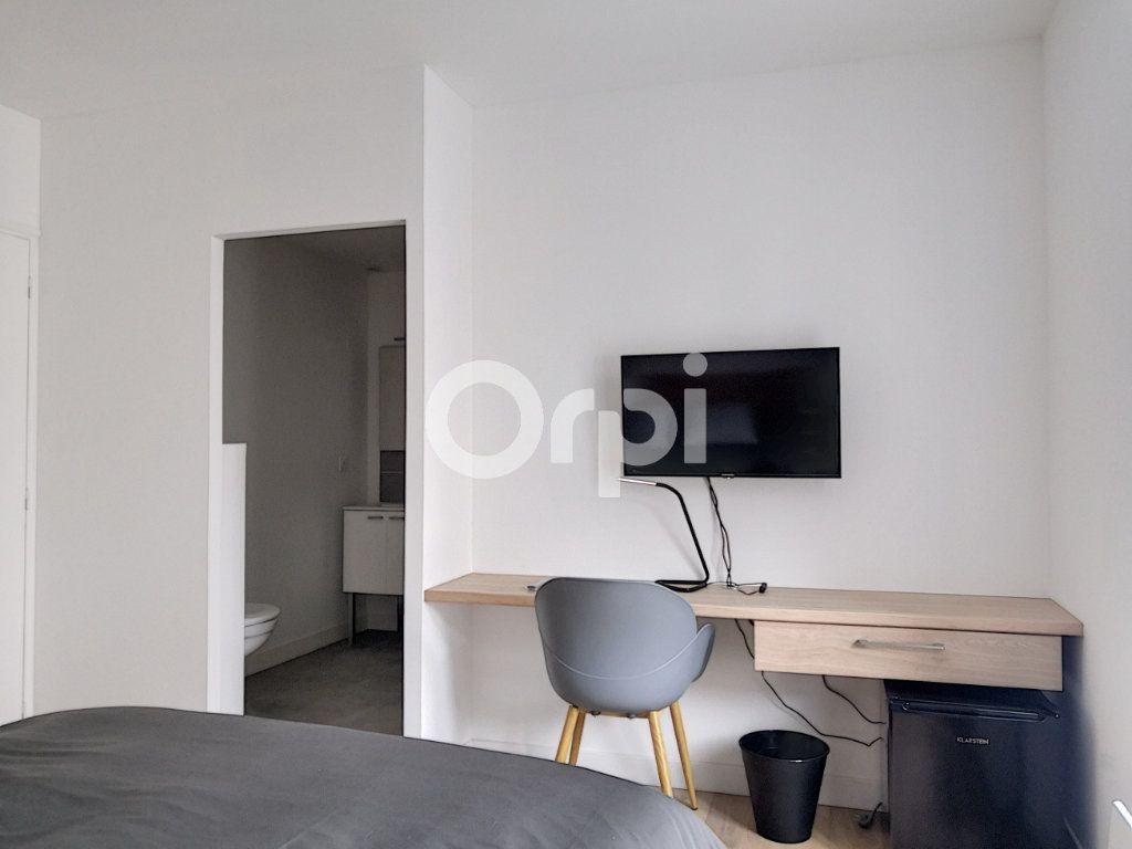 Appartement à louer 1 16.33m2 à Orléans vignette-3