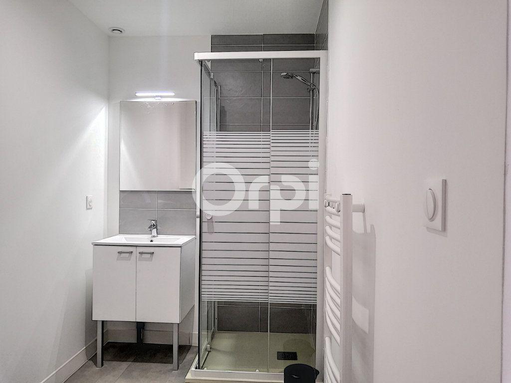 Appartement à louer 1 16.33m2 à Orléans vignette-4