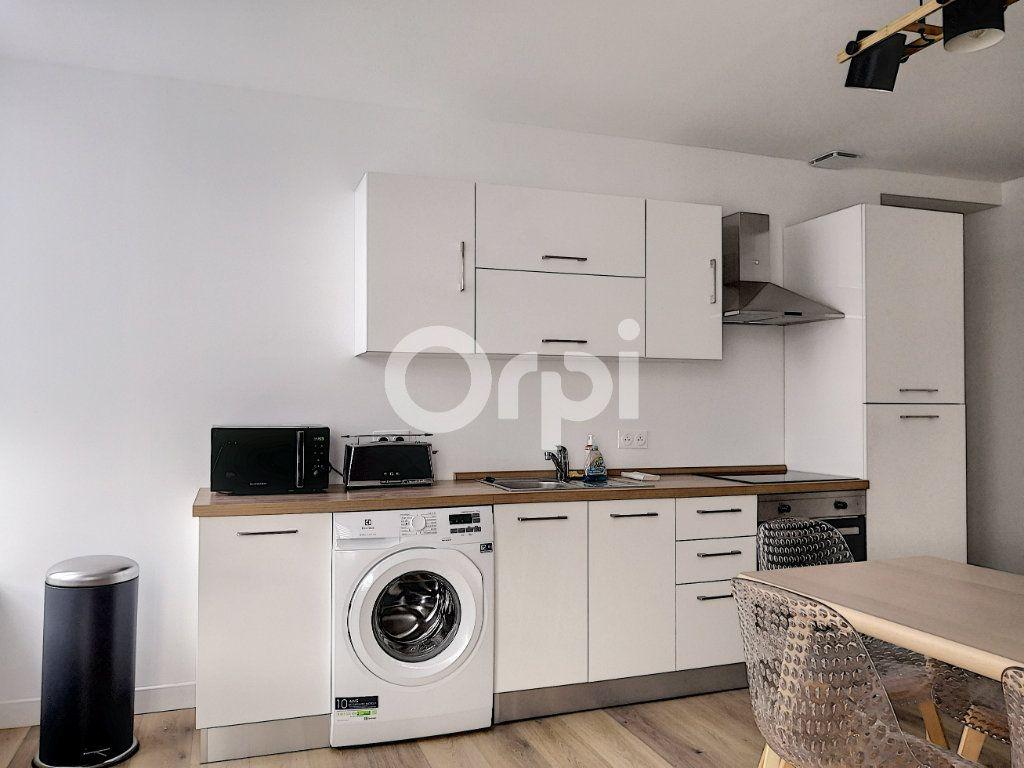 Appartement à louer 1 16.33m2 à Orléans vignette-8