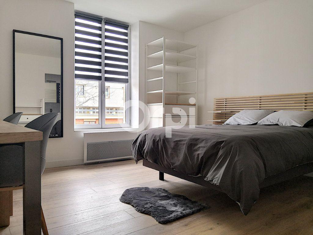 Appartement à louer 1 18.93m2 à Orléans vignette-1
