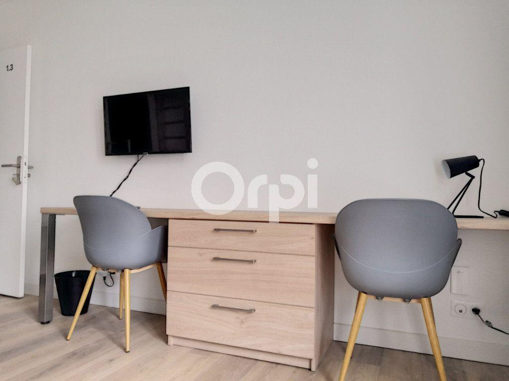 Appartement à louer 1 18.93m2 à Orléans vignette-2