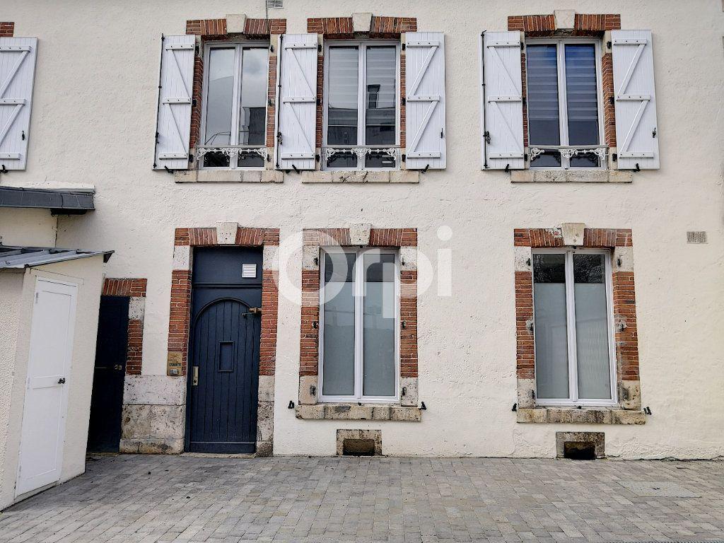 Appartement à louer 1 18.93m2 à Orléans vignette-9