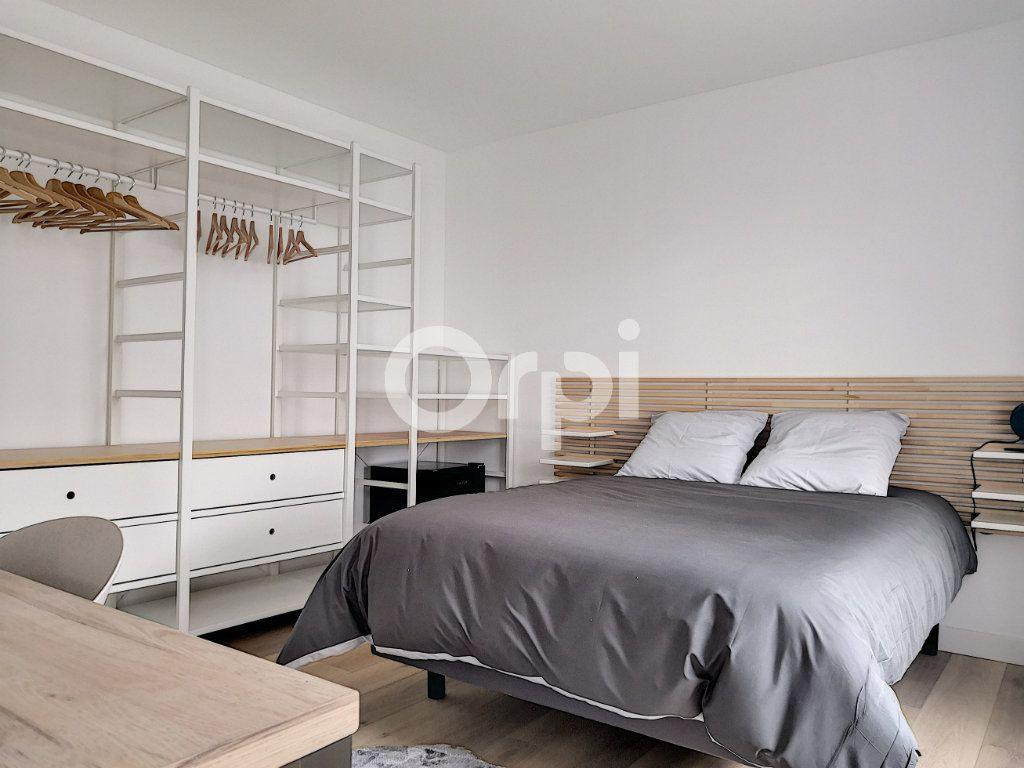 Appartement à louer 1 19.09m2 à Orléans vignette-1