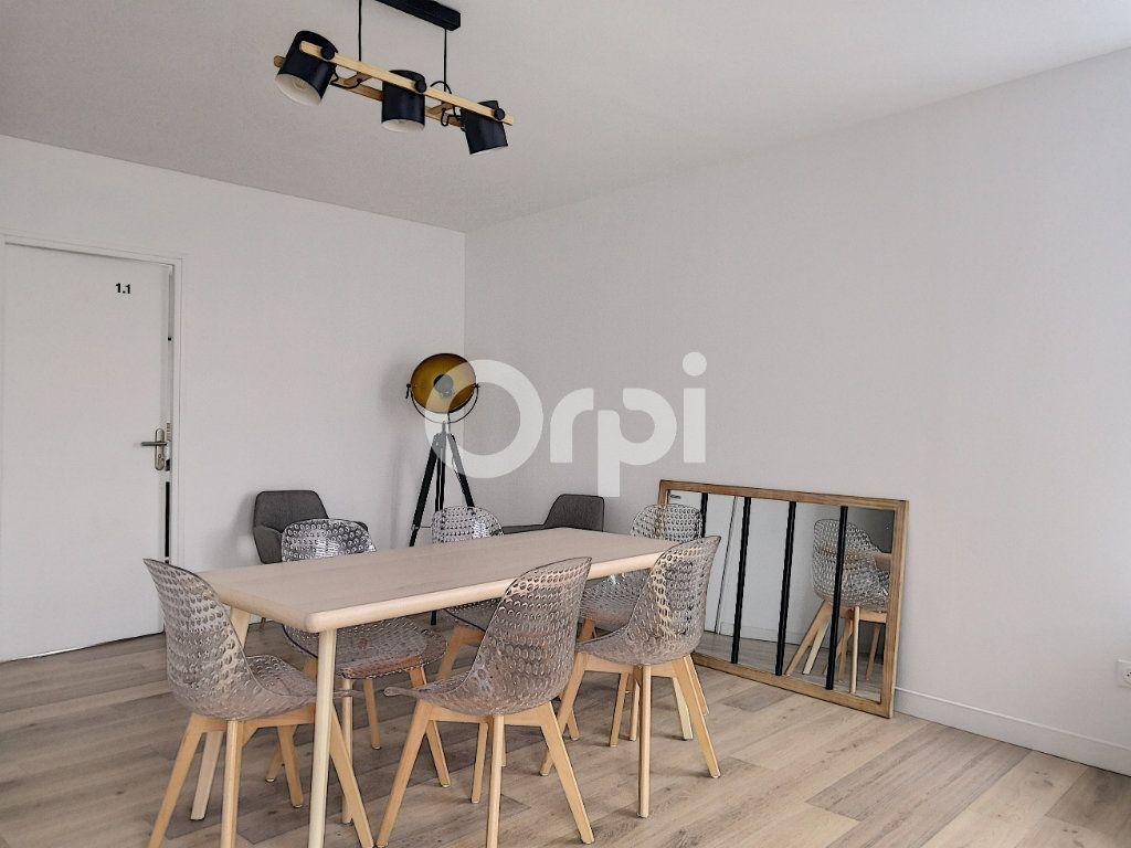 Appartement à louer 1 19.09m2 à Orléans vignette-6