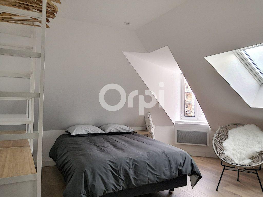 Appartement à louer 1 11.86m2 à Orléans vignette-1