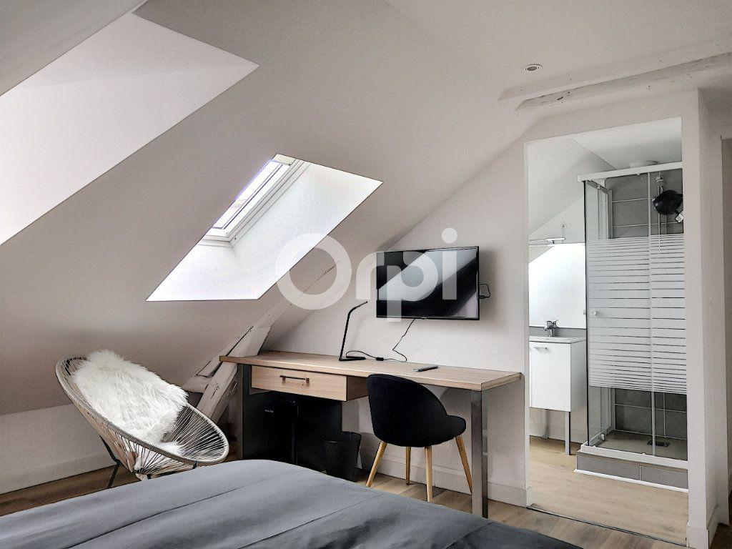 Appartement à louer 1 11.86m2 à Orléans vignette-2