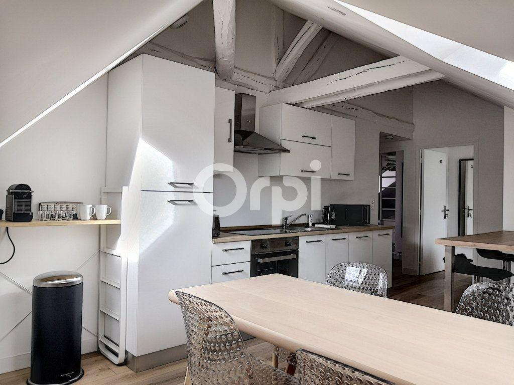Appartement à louer 1 11.86m2 à Orléans vignette-4