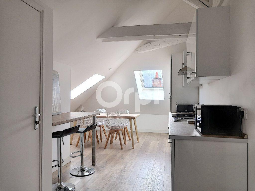 Appartement à louer 1 11.86m2 à Orléans vignette-6