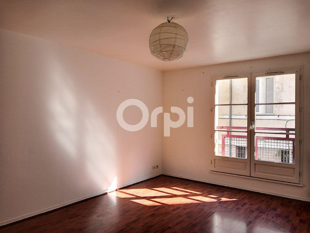 Appartement à louer 2 46.32m2 à Orléans vignette-1