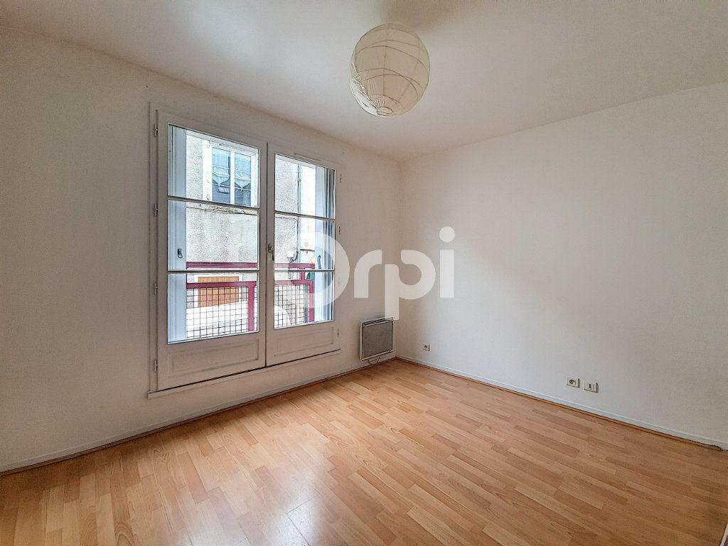 Appartement à louer 2 46.32m2 à Orléans vignette-2