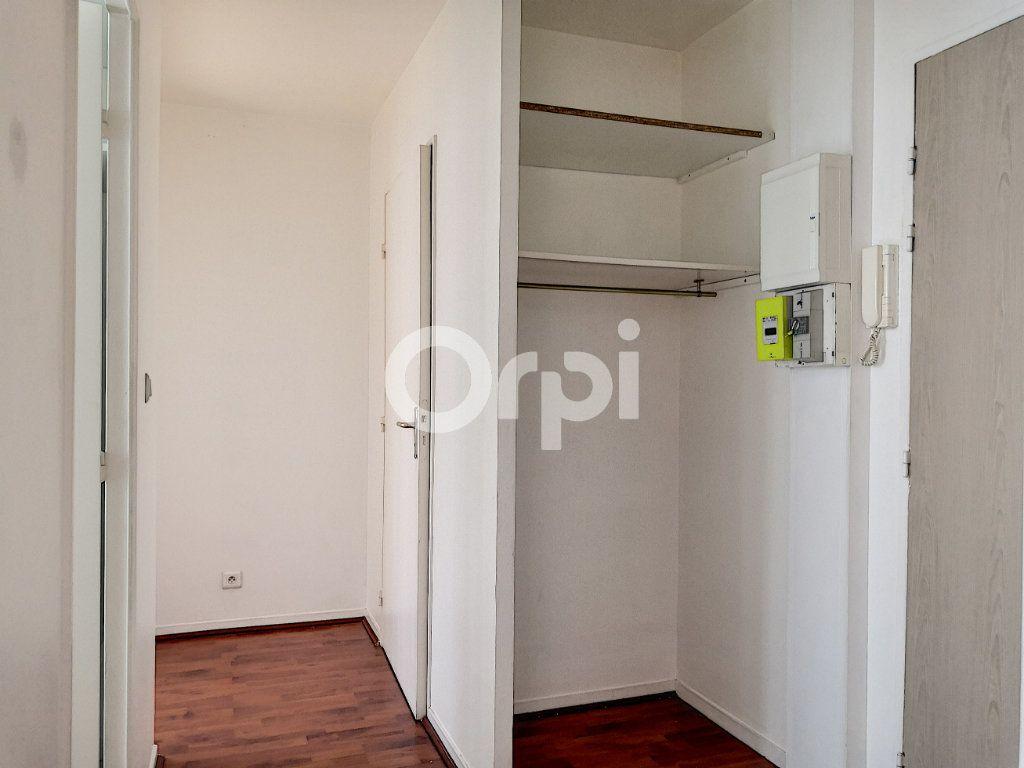 Appartement à louer 2 46.32m2 à Orléans vignette-4