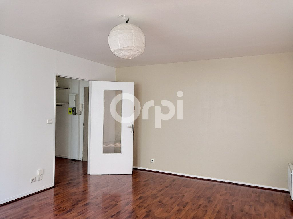Appartement à louer 2 46.32m2 à Orléans vignette-9