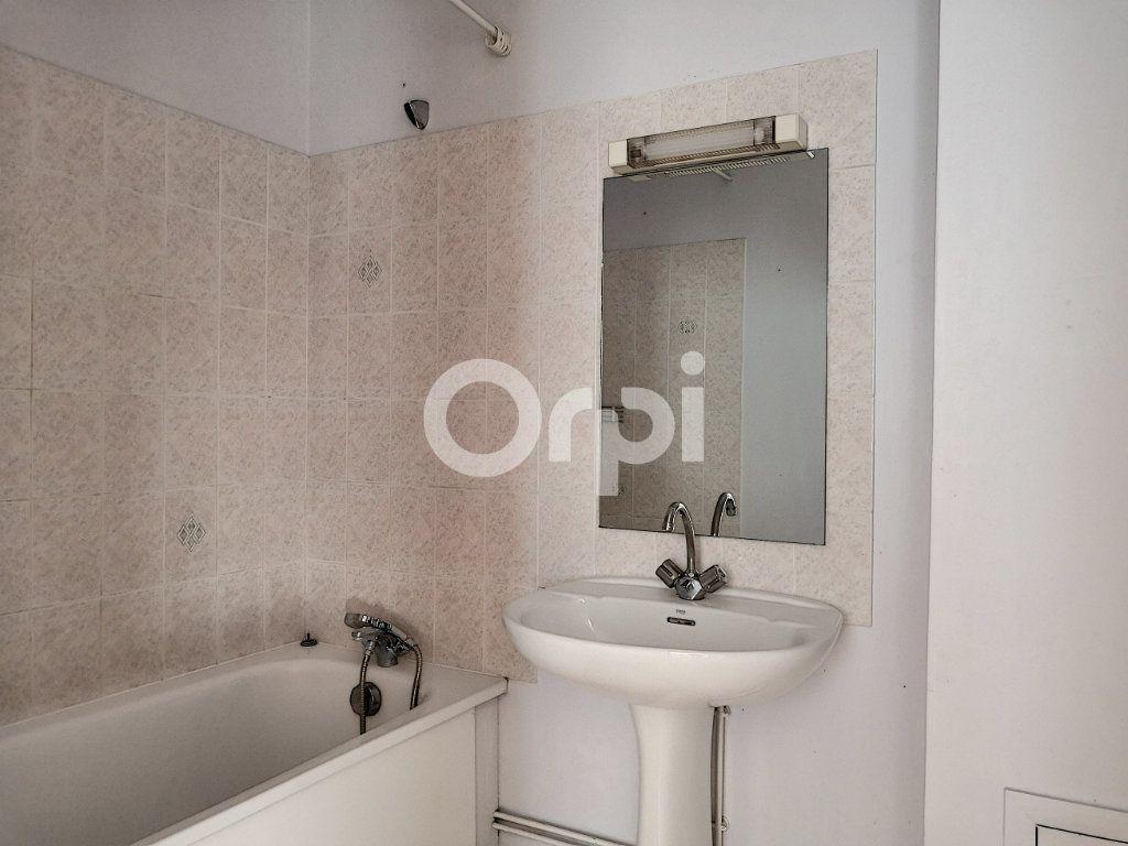Appartement à louer 2 46.32m2 à Orléans vignette-11