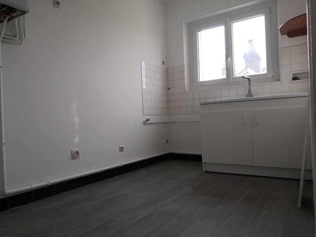 Appartement à louer 1 37m2 à Orléans vignette-2
