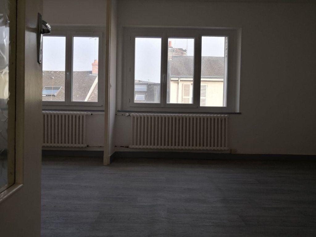 Appartement à louer 1 37m2 à Orléans vignette-4