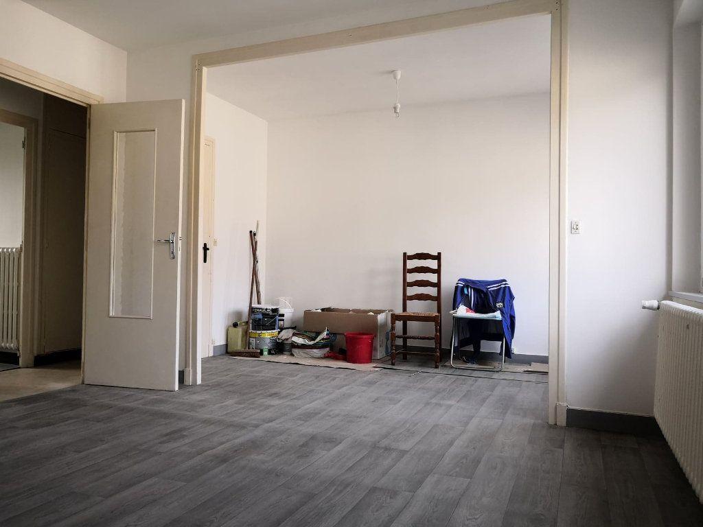 Appartement à louer 1 37m2 à Orléans vignette-6
