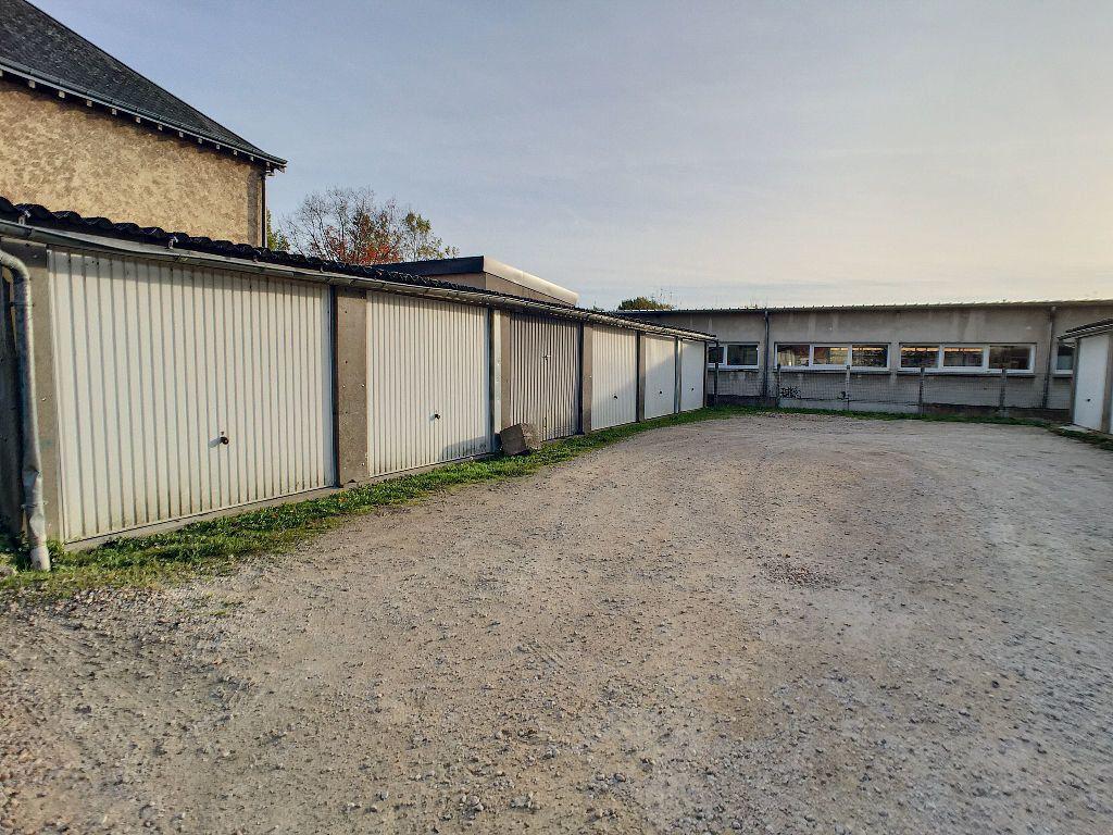 Stationnement à louer 0 15m2 à Saint-Jean-le-Blanc vignette-2