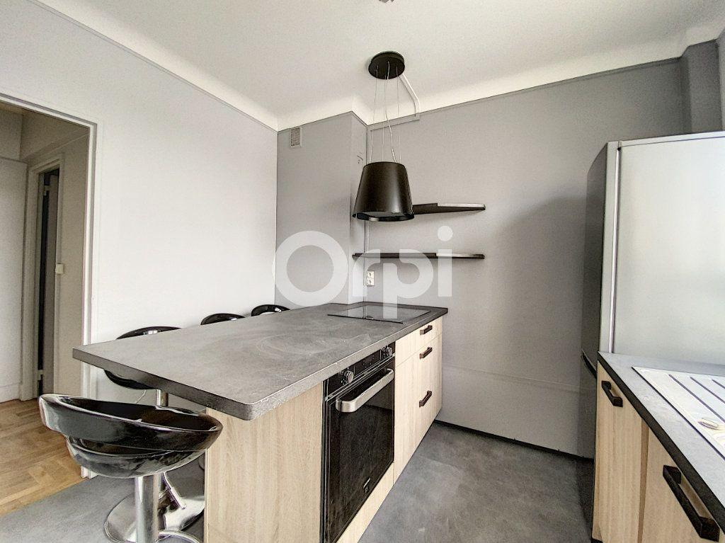 Appartement à louer 3 63.62m2 à Orléans vignette-1
