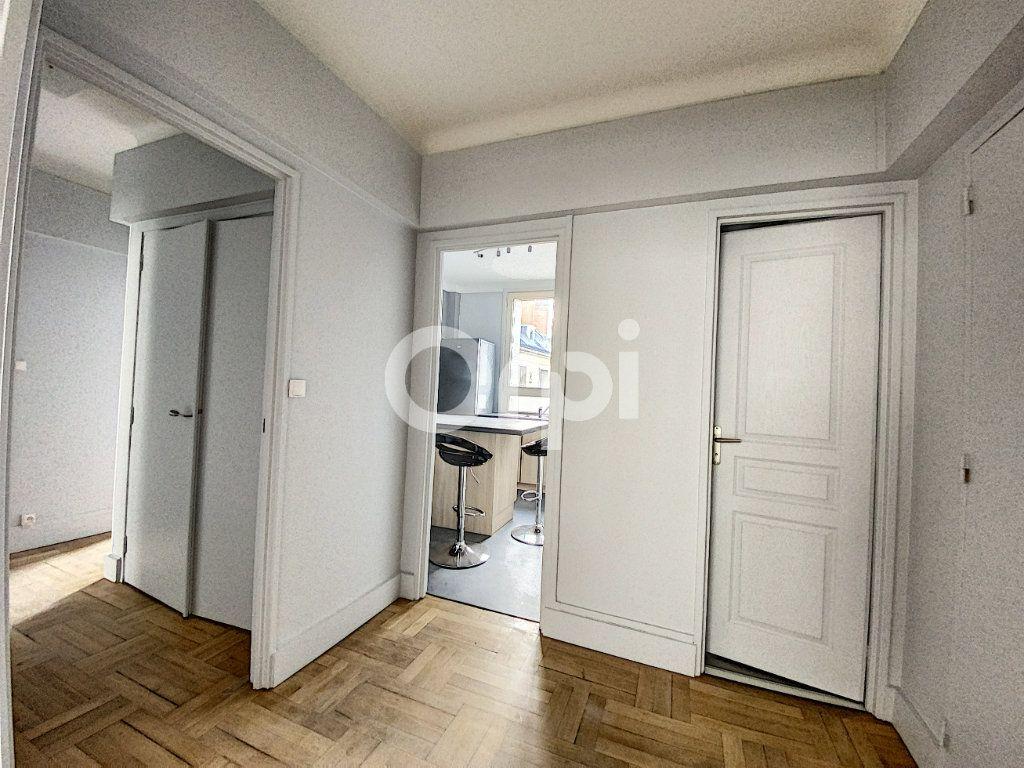 Appartement à louer 3 63.62m2 à Orléans vignette-4