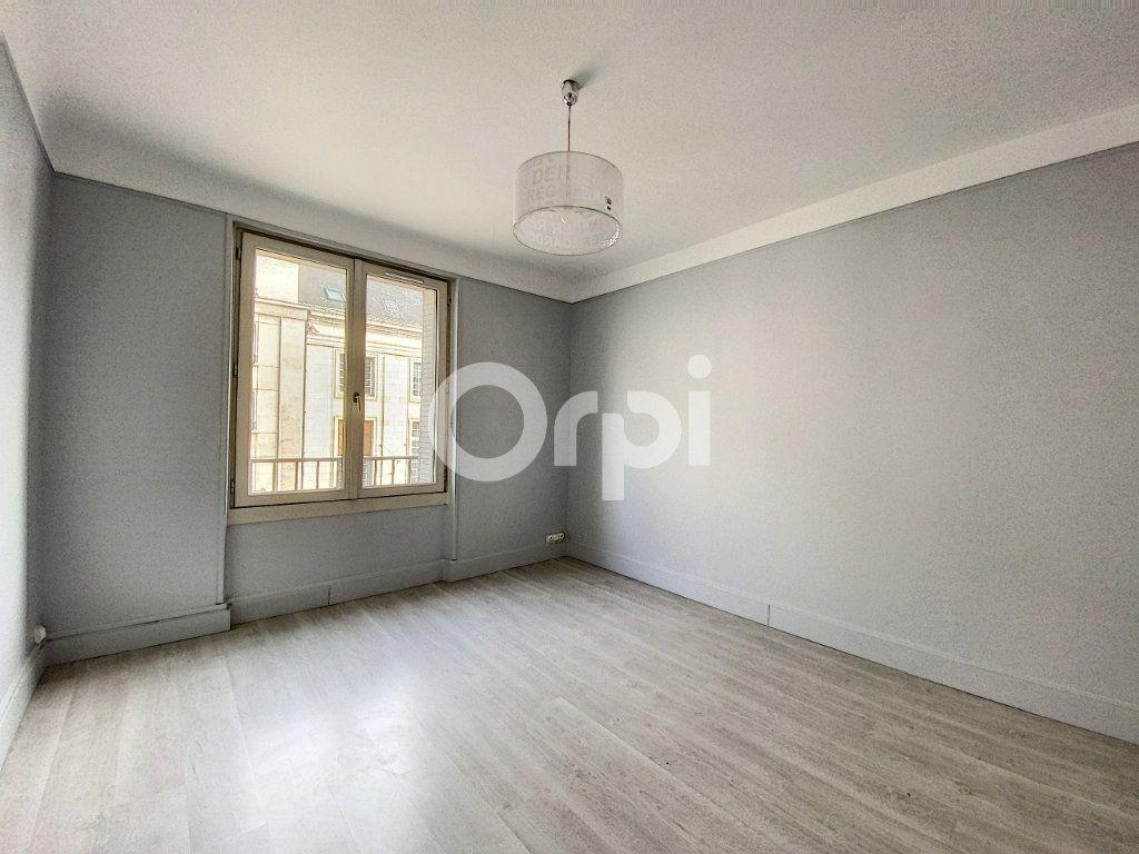 Appartement à louer 3 63.62m2 à Orléans vignette-7