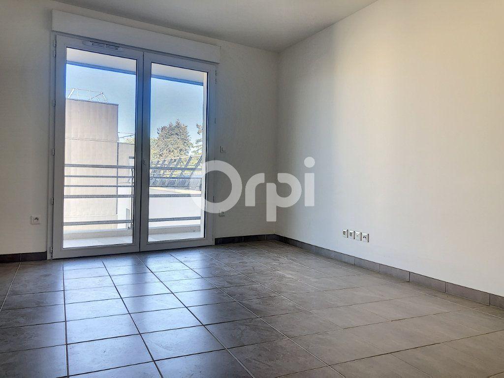 Appartement à louer 3 57.3m2 à Orléans vignette-3
