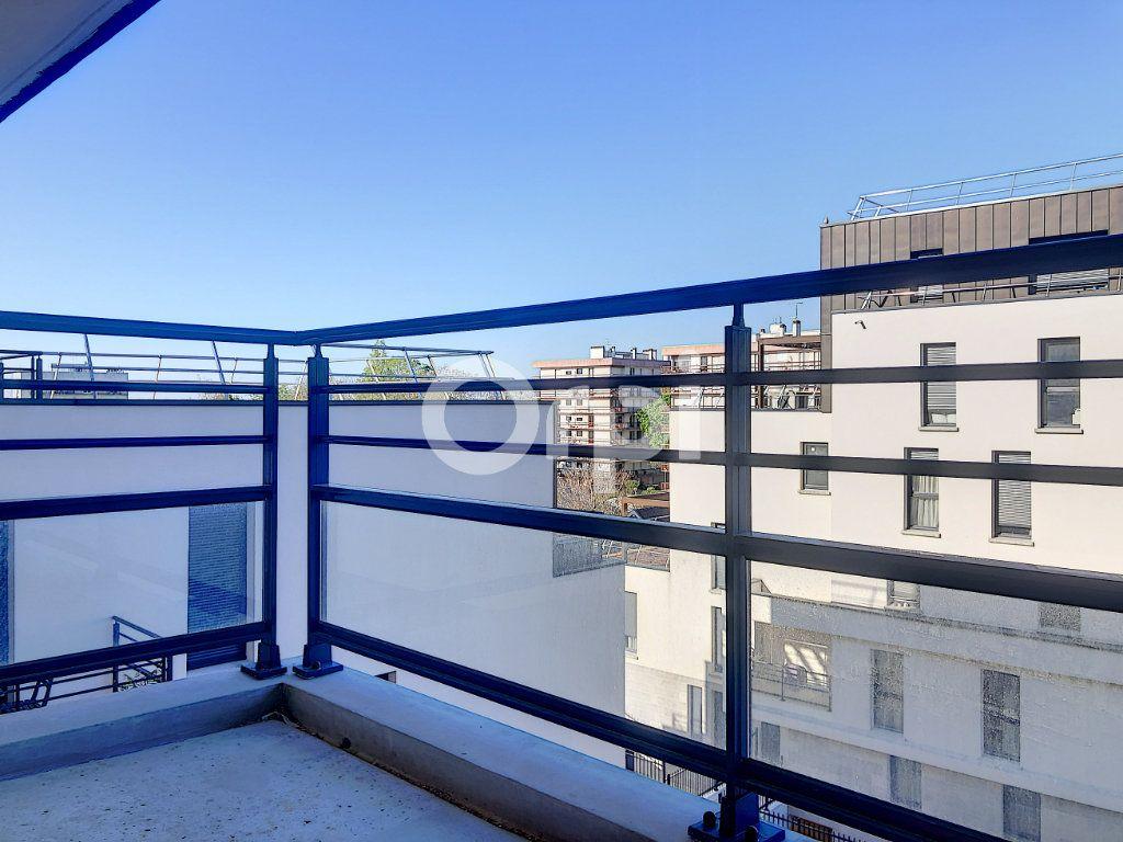 Appartement à louer 3 57.3m2 à Orléans vignette-4