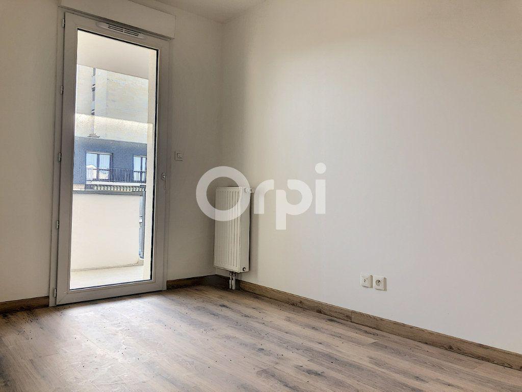 Appartement à louer 3 57.3m2 à Orléans vignette-6