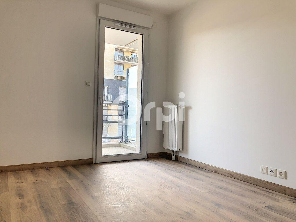 Appartement à louer 3 57.3m2 à Orléans vignette-7