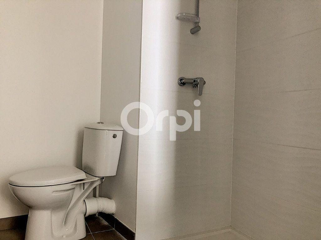 Appartement à louer 3 57.3m2 à Orléans vignette-9