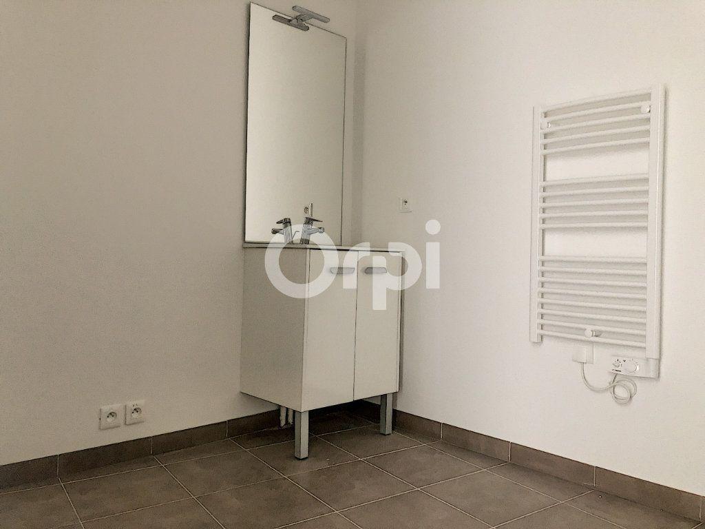 Appartement à louer 3 57.3m2 à Orléans vignette-10