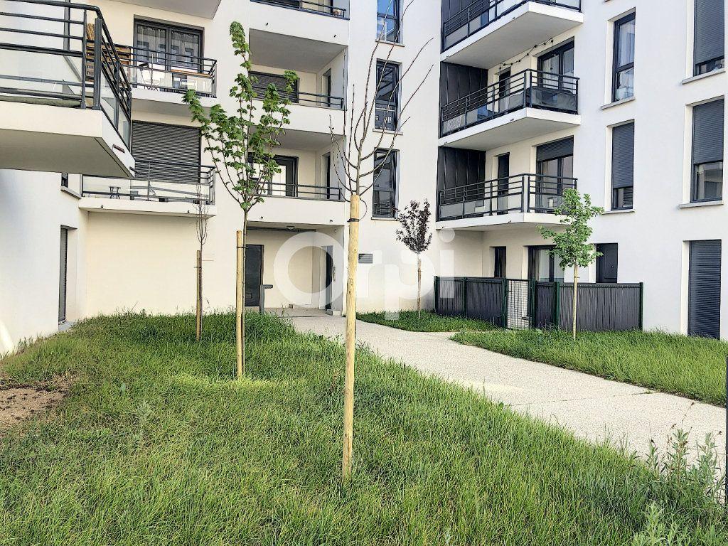 Appartement à louer 3 57.3m2 à Orléans vignette-12