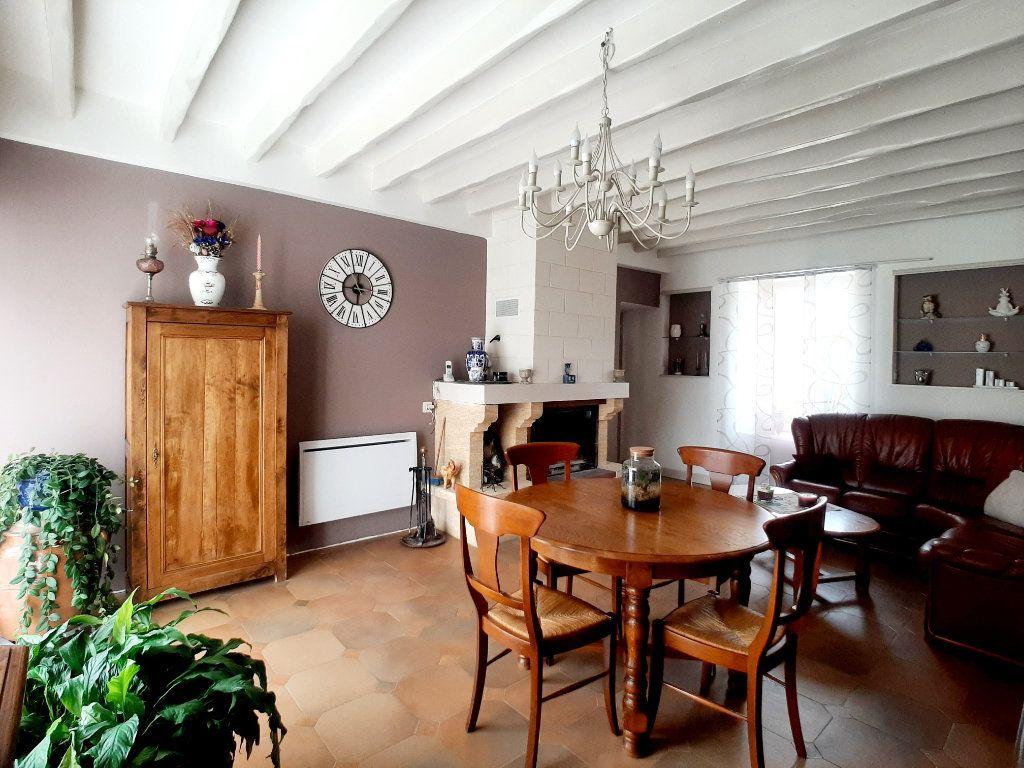 Maison à vendre 5 118m2 à Saint-Sigismond vignette-2