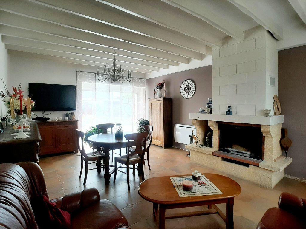 Maison à vendre 5 118m2 à Saint-Sigismond vignette-3