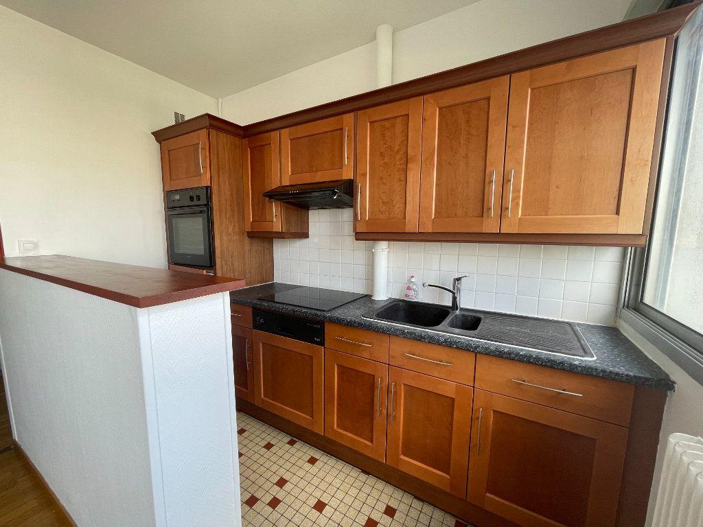 Appartement à vendre 2 40m2 à Orléans vignette-3