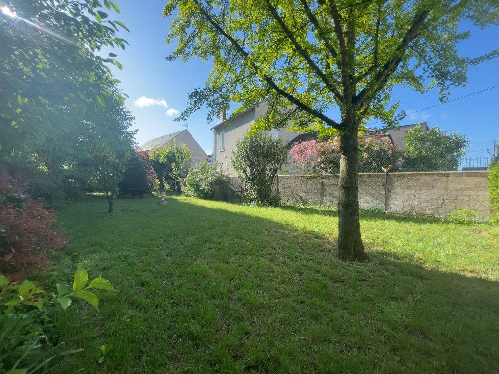 Appartement à vendre 5 182.25m2 à Orléans vignette-1