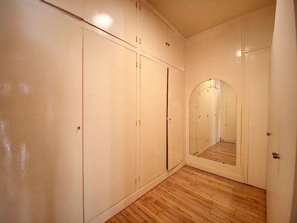 Appartement à vendre 5 182.25m2 à Orléans vignette-8