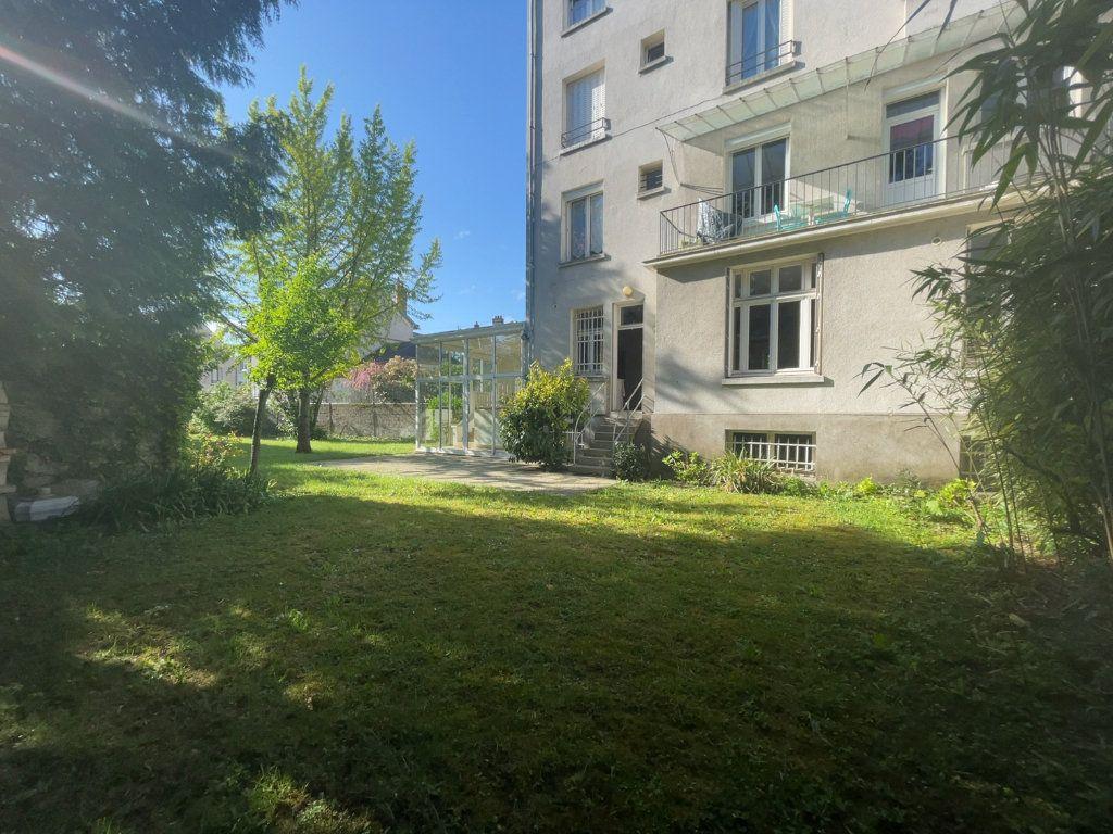 Appartement à vendre 5 182.25m2 à Orléans vignette-9