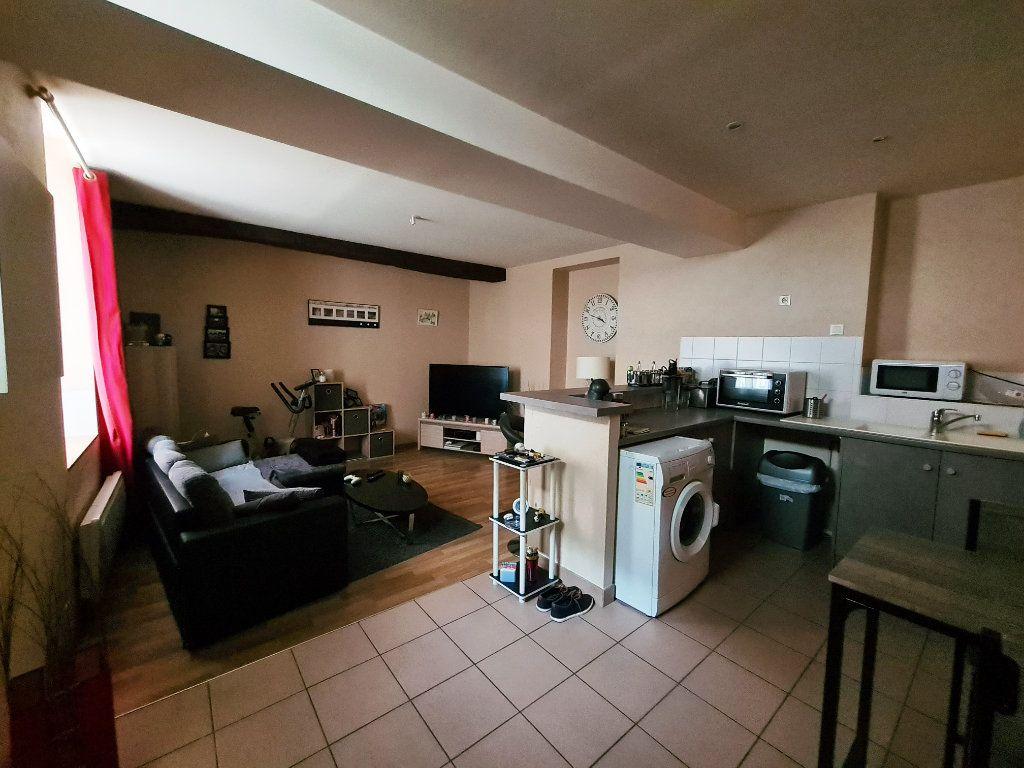 Appartement à louer 2 46.89m2 à Orléans vignette-1
