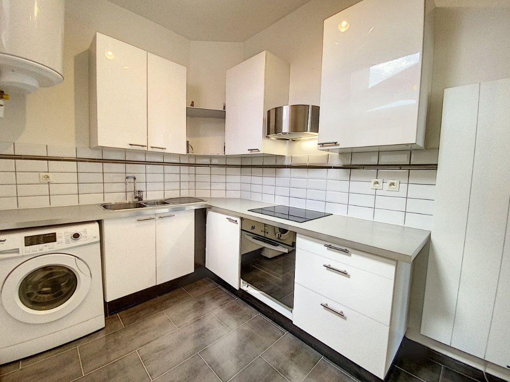 Appartement à louer 2 49.78m2 à Orléans vignette-3