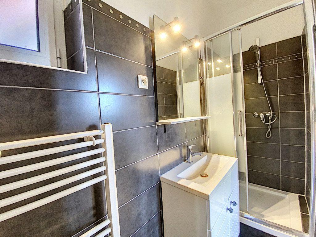 Appartement à louer 2 49.78m2 à Orléans vignette-5
