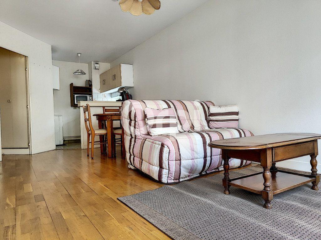 Appartement à louer 2 34.99m2 à Orléans vignette-1