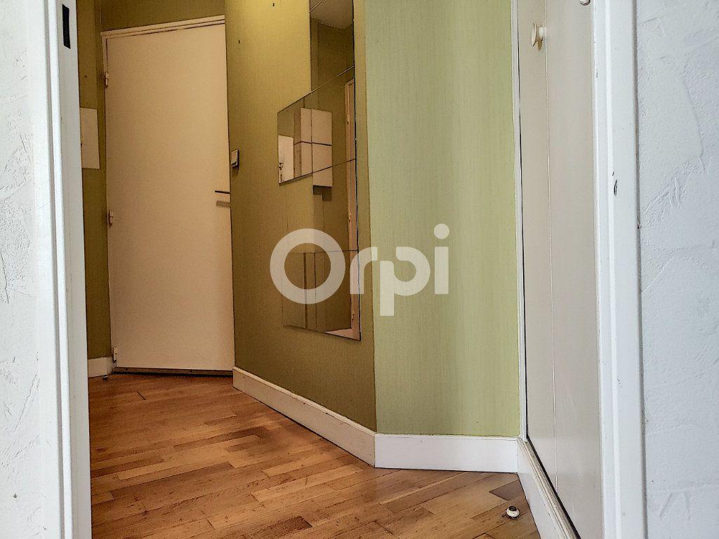 Appartement à louer 2 34.99m2 à Orléans vignette-6