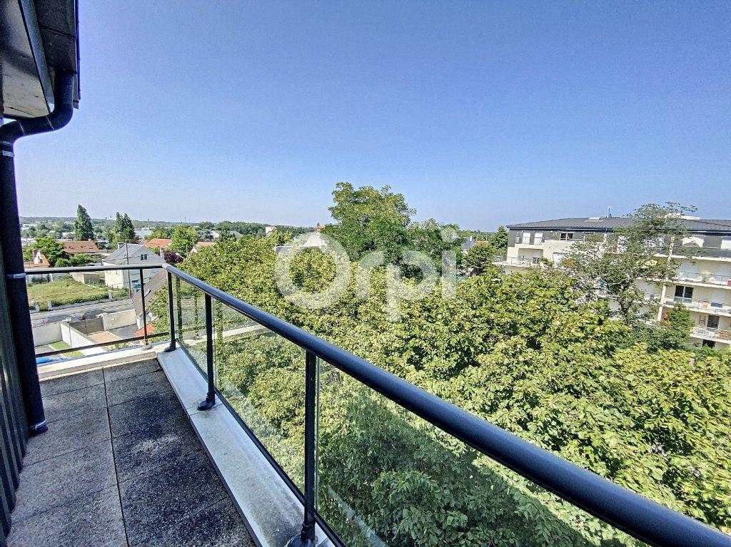 Appartement à louer 2 47.84m2 à Saint-Jean-de-Braye vignette-3