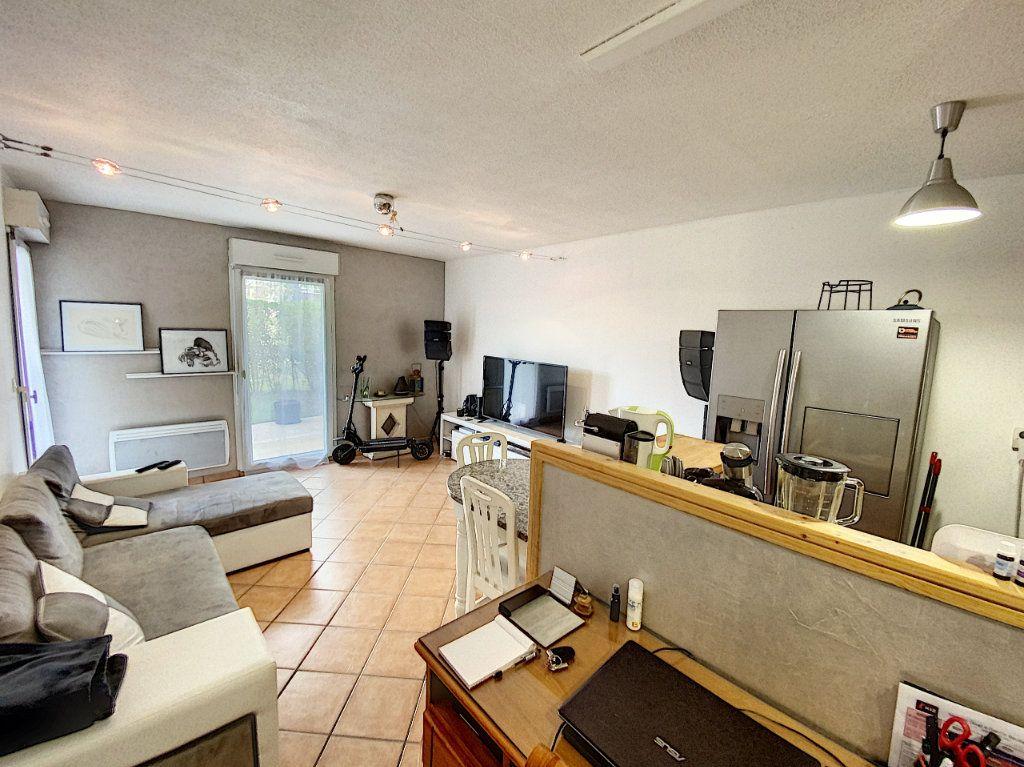 Appartement à louer 2 37.68m2 à Orléans vignette-1