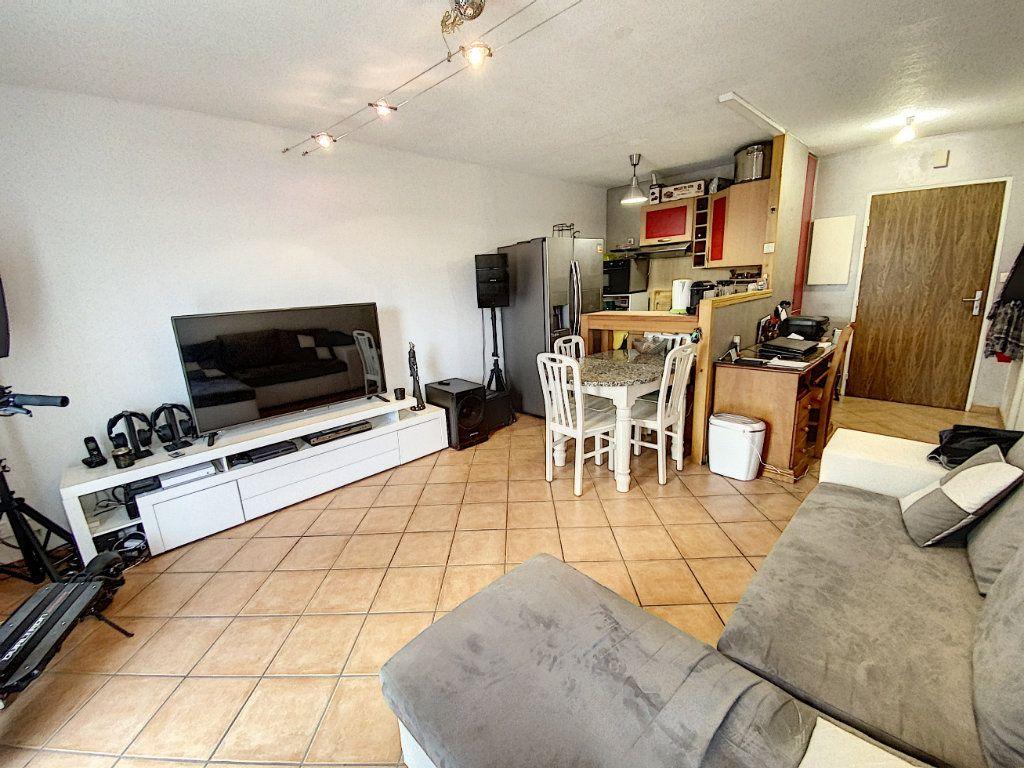 Appartement à louer 2 37.68m2 à Orléans vignette-2