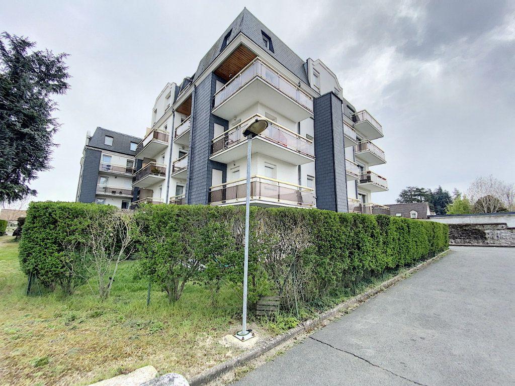 Appartement à louer 2 37.68m2 à Orléans vignette-6
