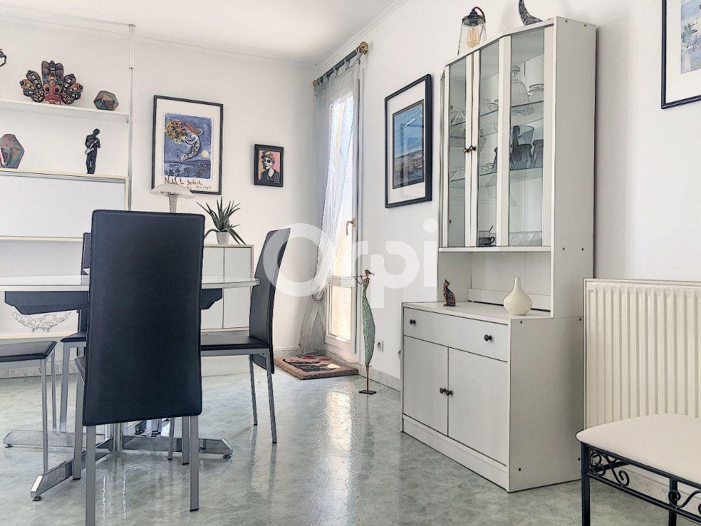 Appartement à louer 4 83.1m2 à Saint-Jean-de-la-Ruelle vignette-9